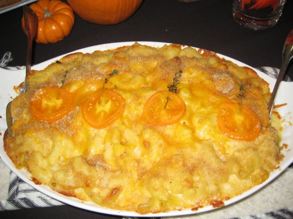 Mac n Cheese with orange tomatoes