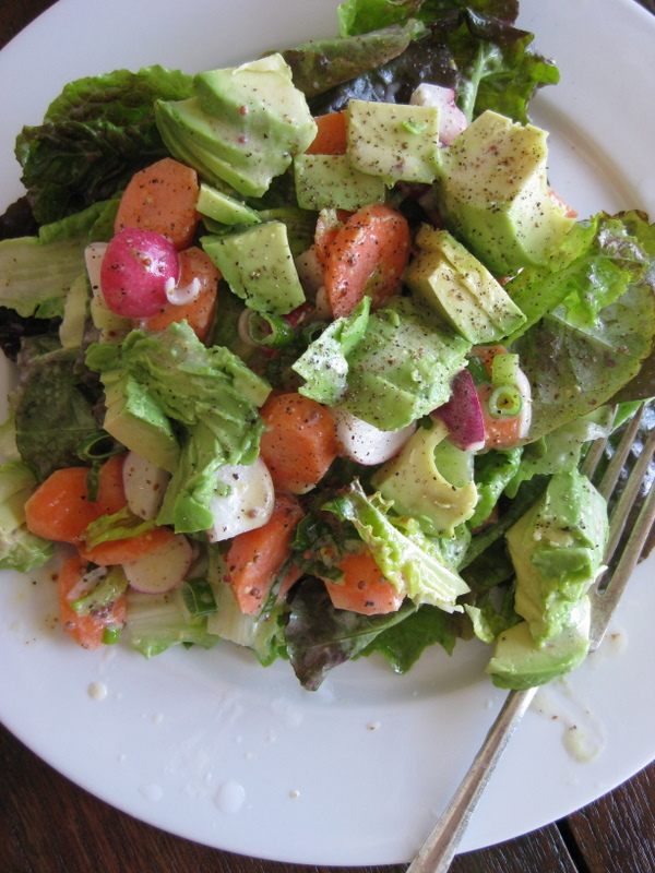 Salad with Yogurt Dressing