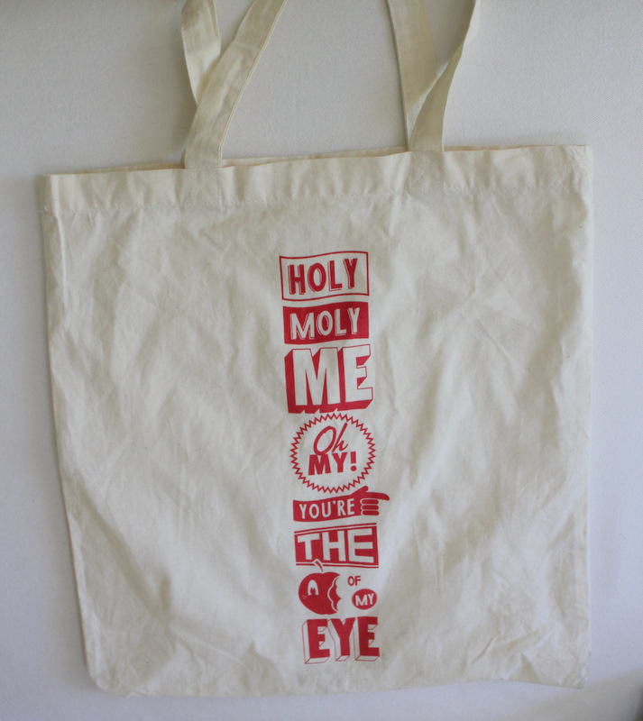 M wedding tote