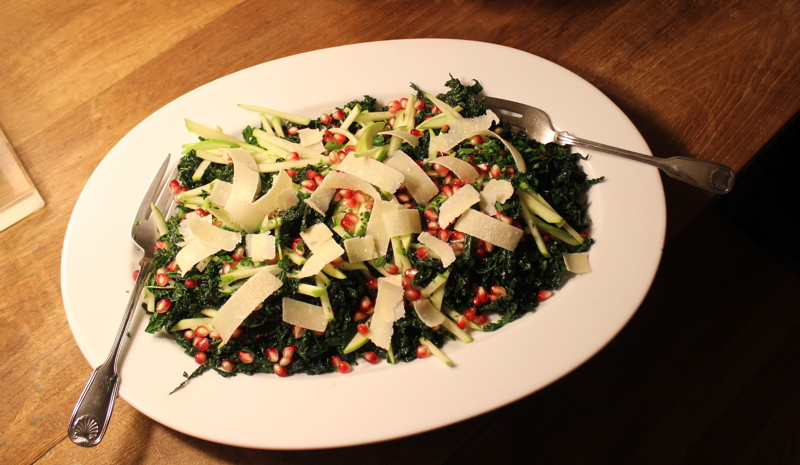 kale sald with apple, pomegranate and parmesan