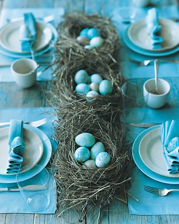 Martha Easter Table Blue