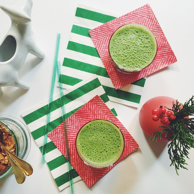I was lucky to contribute some ideas to this smoothie gem with @lafemmeepicure for @williamssonoma #smoothieweek. Get the recipe for Kale + Cranberry Smoothie at lafemmeepicure.com